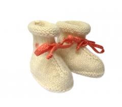 Chaussons bottines alpaga écru et ruban orange pois blancs