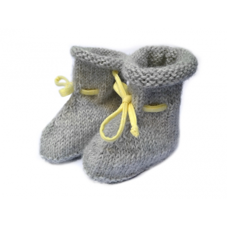 Chaussons bottines alpaga grise et ruban jaune à pois blancs