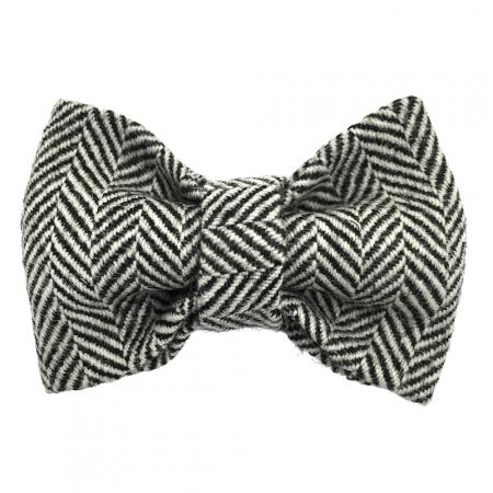 Child black and white chevron pattern bow tie